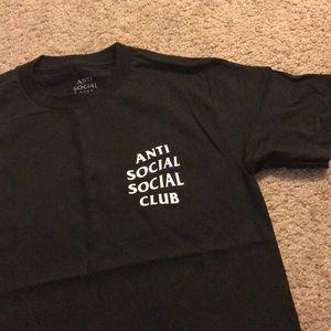 Anti anti social club tee in size small